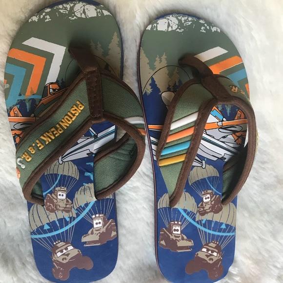 New Disney Planes Boys Flip Flop Sandals Disney Store Size 9//10